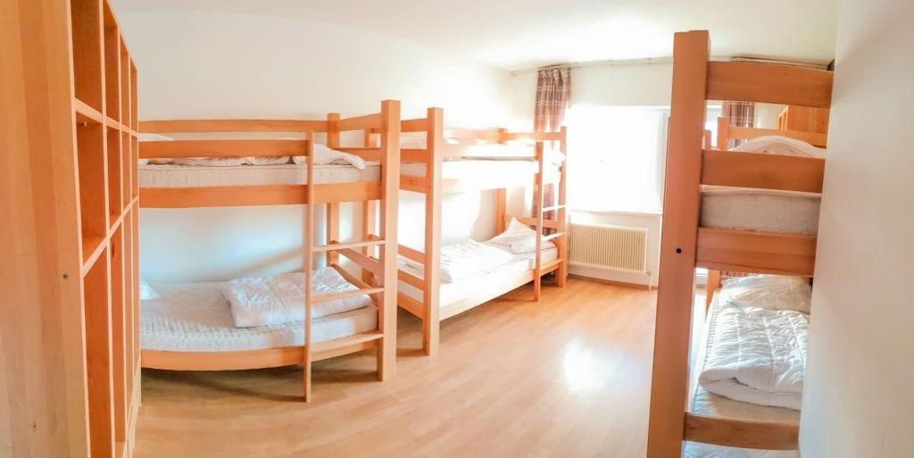 Jugendhotel Edelweiss Jugendherberge 6 Bett Zimmer 2